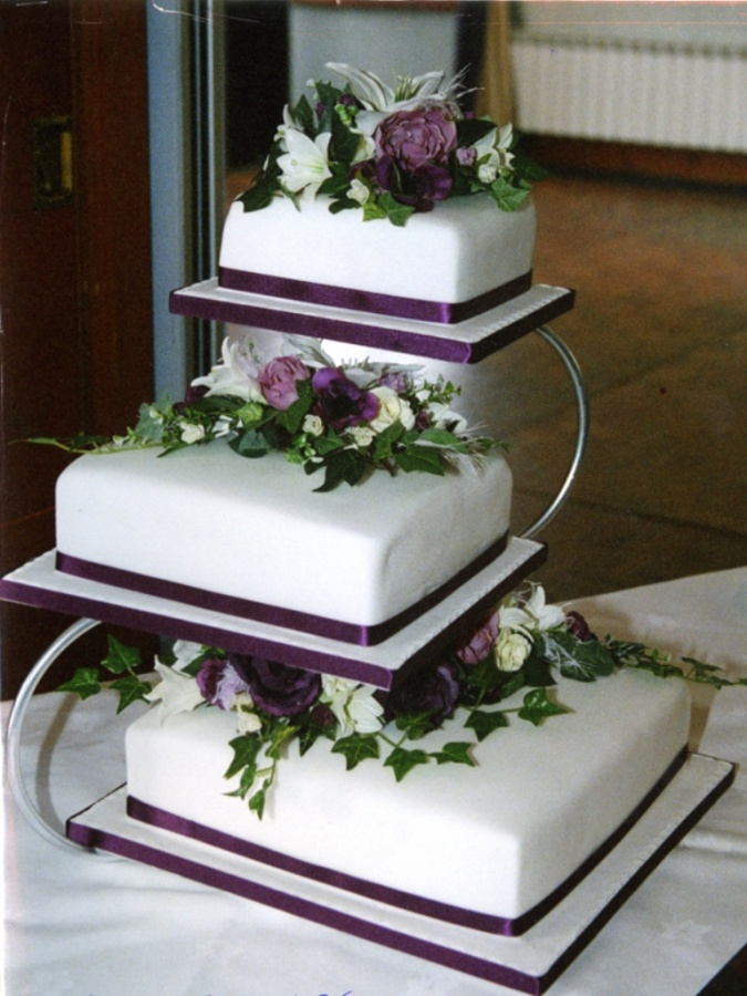 Wedding-cakes-cakes-by-clare-chandler 50 Mouthwatering and Wonderful Wedding Cakes