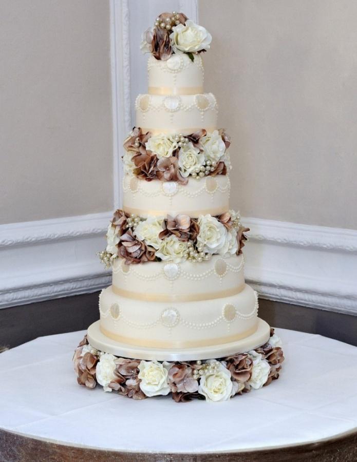 WeddingCakes 50 Mouthwatering and Wonderful Wedding Cakes