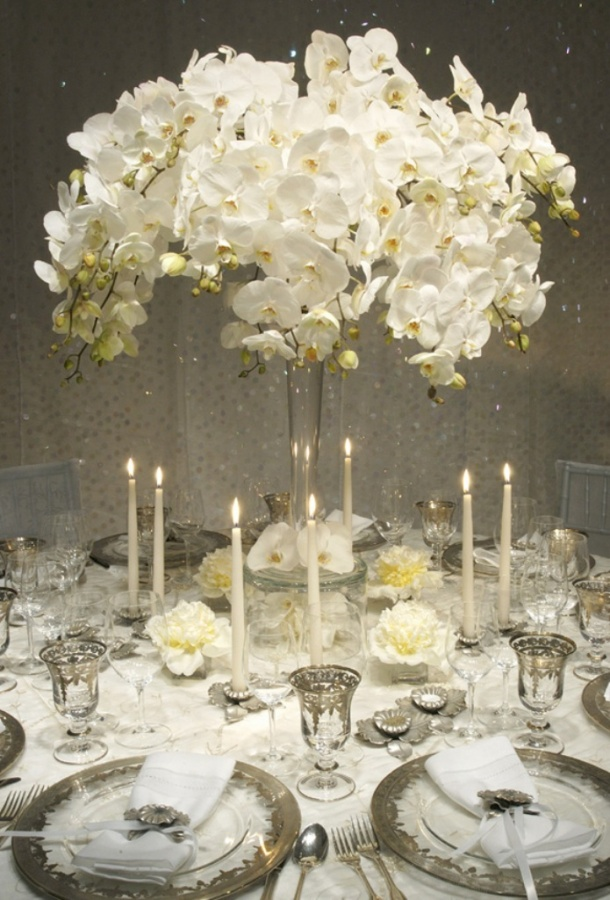 White-Wedding-Centerpieces 50 Fabulous and Breathtaking Wedding Centerpieces