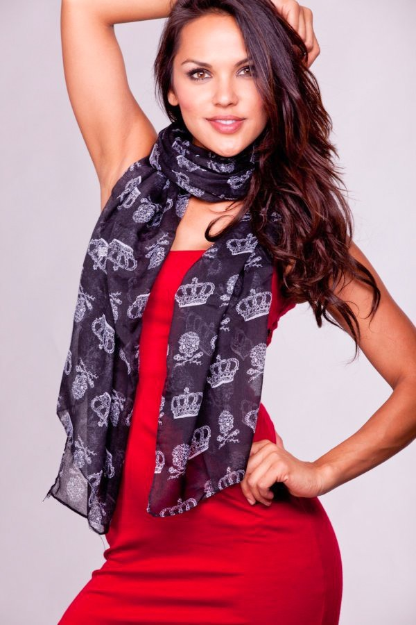 accessories-scarves-ya1-asf51295bkblack_1_1 A Scarf Can Make Your Face Looks Glowing