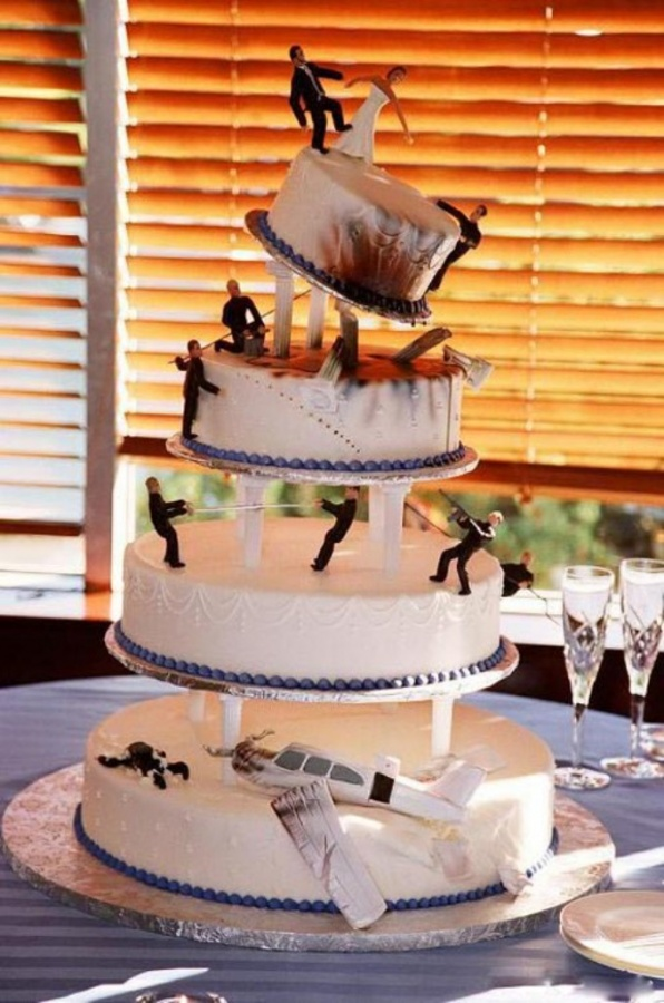action_hero_wedding_cake_funny 50 Mouthwatering and Wonderful Wedding Cakes