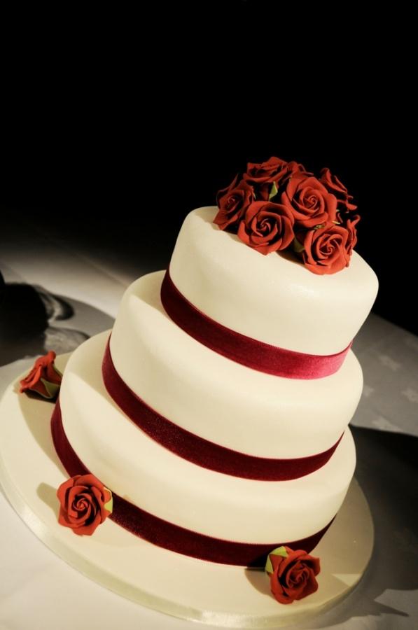 alisons-wedding-cake 50 Mouthwatering and Wonderful Wedding Cakes