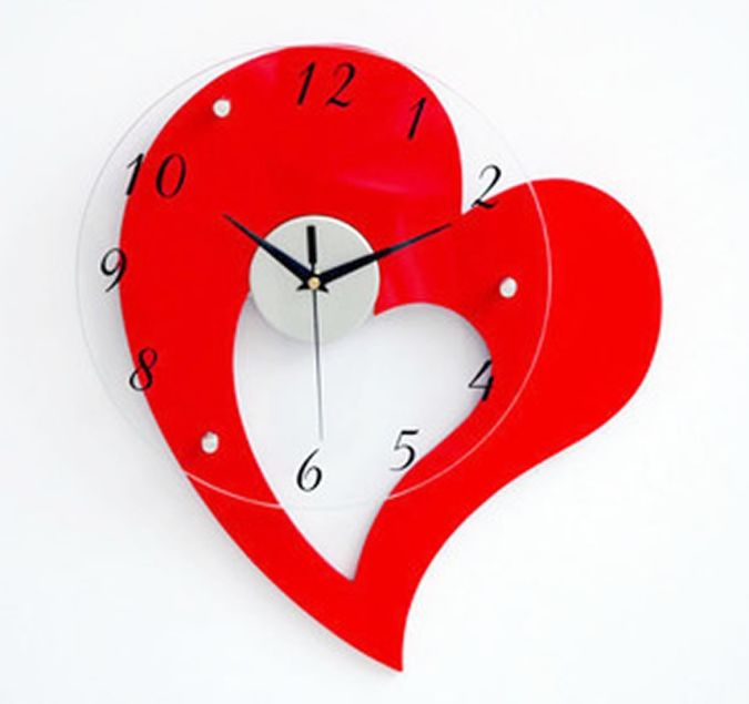 amazon-heart-wall-clock 15 Amazing Wall Clocks Will Be Pieces Of Art In Your Home