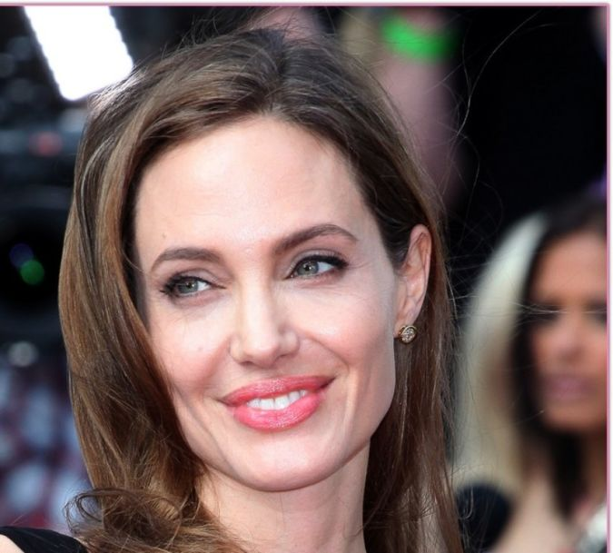 angelina-jolie-brad-pitt Angelina Jolie Catches the Eyes of Her Lovers and Cameras after Her First Appearance Since Mastectomy