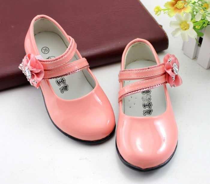 baby3 TOP 10 Stylish Baby Girls Shoes Fashion