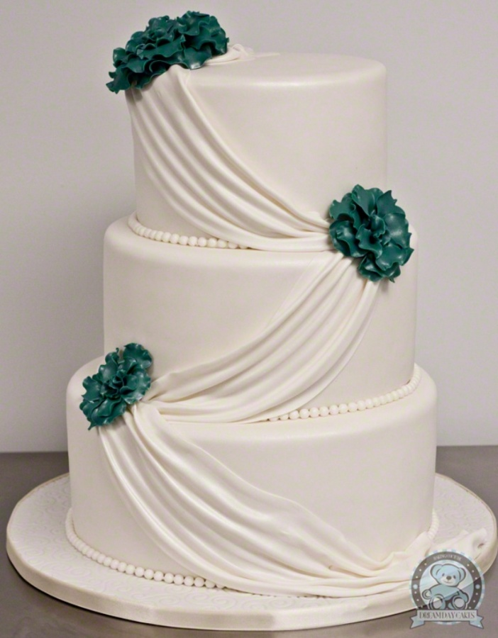 bailin-wedding-cake-full 50 Mouthwatering and Wonderful Wedding Cakes