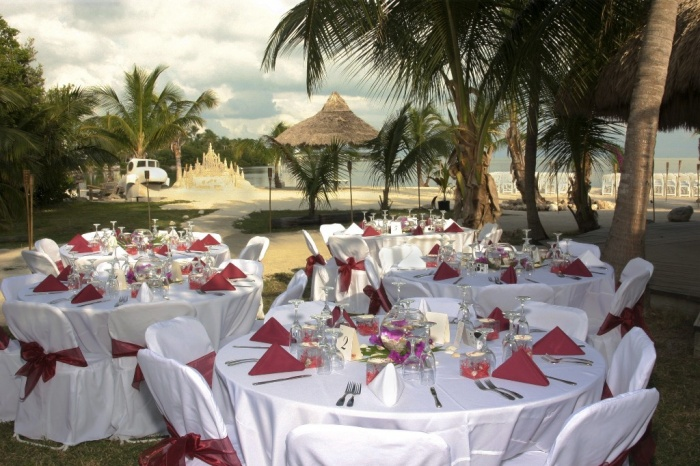 beach-wedding-reception Dazzling and Stunning Outdoor Wedding Decorations