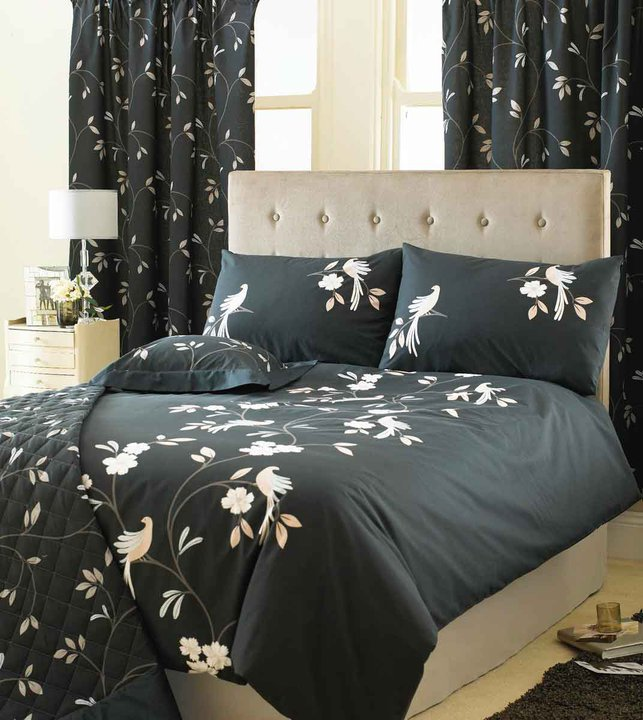 black-and-white-Beds-Bedsheets-designs Modern Designs Of Luxurious Bed Sheets