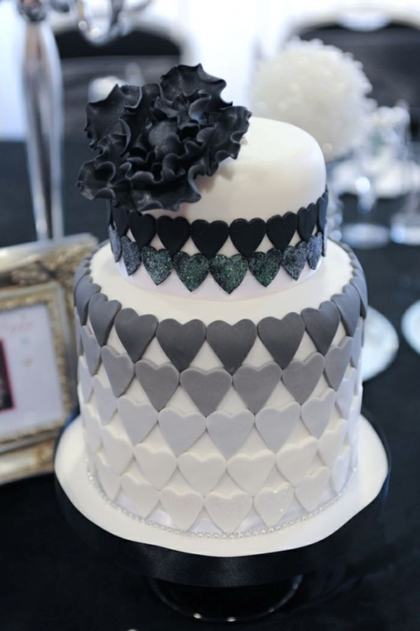 black-white-and-gray 50 Mouthwatering and Wonderful Wedding Cakes