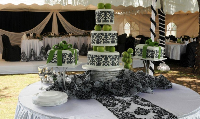 cake Dazzling and Stunning Outdoor Wedding Decorations