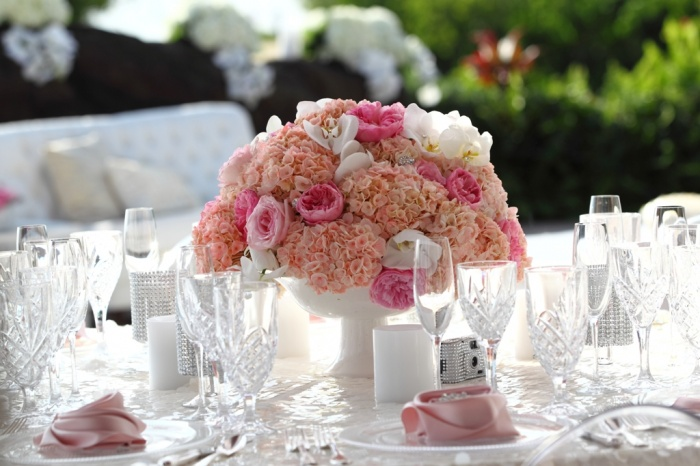 centerpiece Dazzling and Stunning Outdoor Wedding Decorations