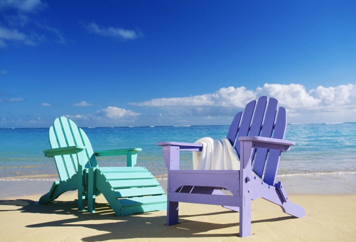 colorful-beach-chairs-dana-edmunds How To Choose A Beach Chair ?!