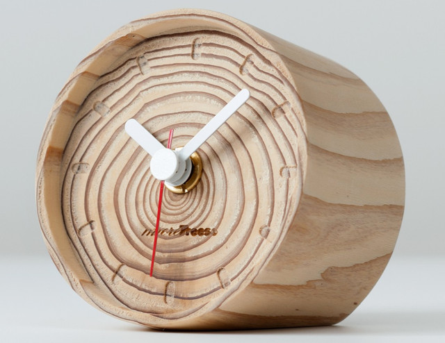 contemporary-clocks 15 Amazing Wall Clocks Will Be Pieces Of Art In Your Home
