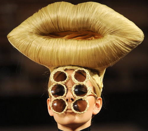 crazy_weird_hairstyle_37 Top 25 Weird Hairstyles For Men And Women