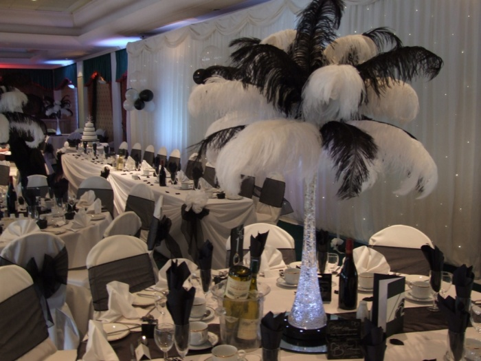 devonshire-house 50 Fabulous and Breathtaking Wedding Centerpieces