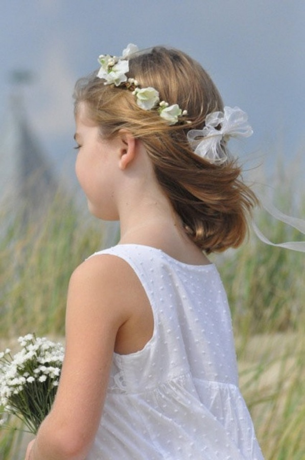 floral-crown 50 Gorgeous Kids Hair Accessories and Hairstyles