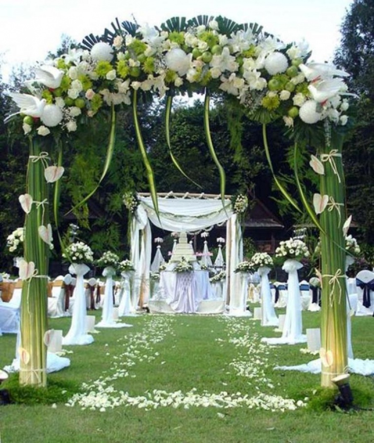 garden-outdoor-wedding-ideas Dazzling and Stunning Outdoor Wedding Decorations