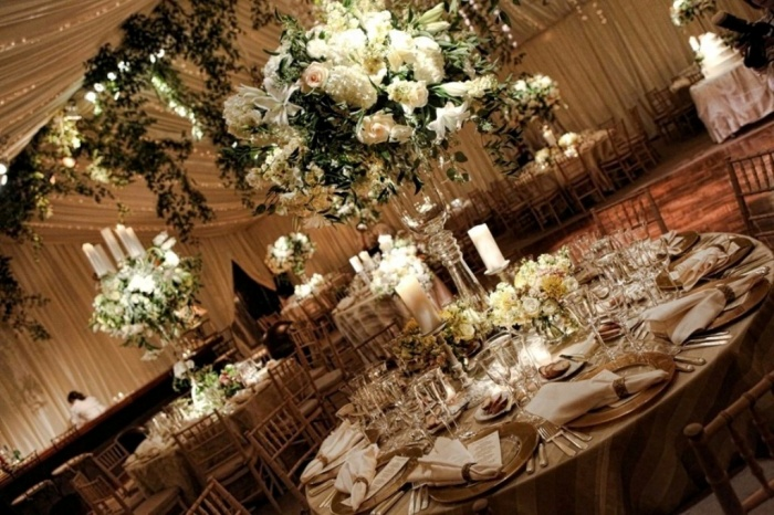 garden-wedding-champagne-and-ivory 50 Fabulous and Breathtaking Wedding Centerpieces