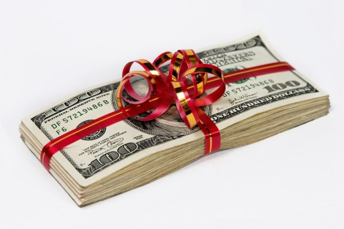 gift-of-money Do You Know How to Pay for Your Wedding?