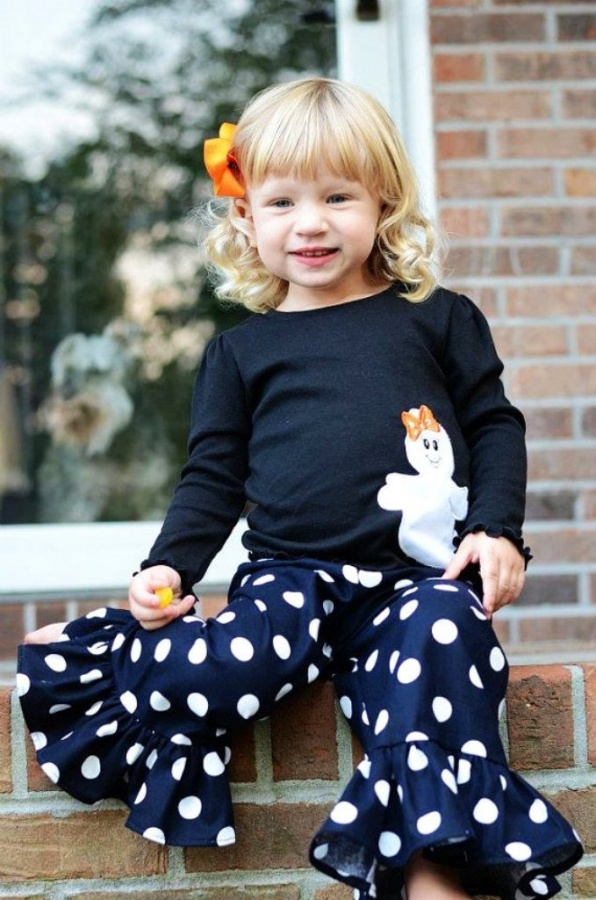 halloween-black-ghost-tee-and-black-and-white-dots-ruffle-pants 30 Cutest Baby Girl Pants