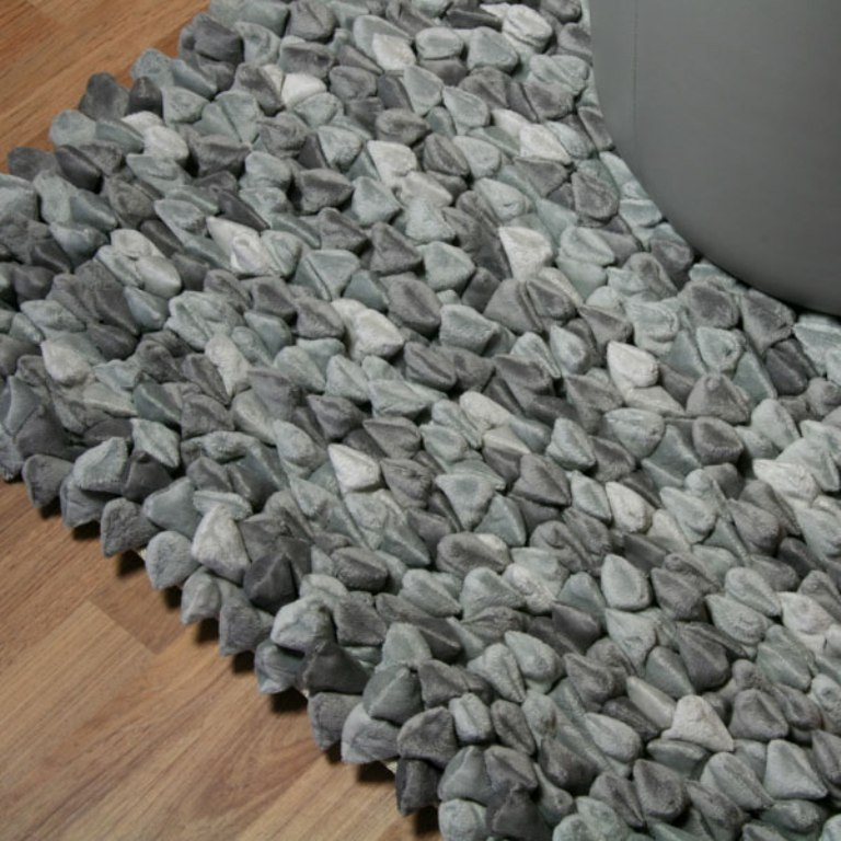 heart-shaped Exotic and Creative Carpet Designs for Your Unique Home