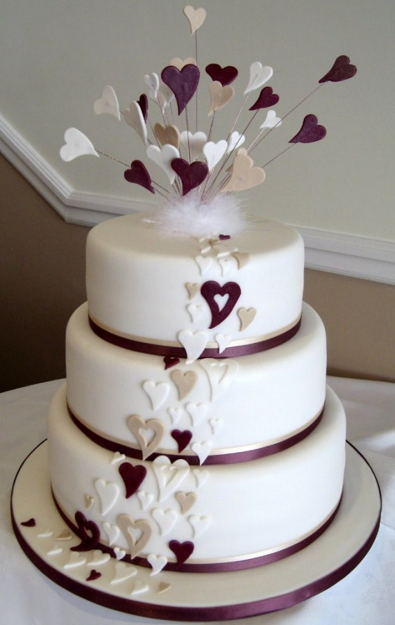 heart-wedding-cake4 50 Mouthwatering and Wonderful Wedding Cakes