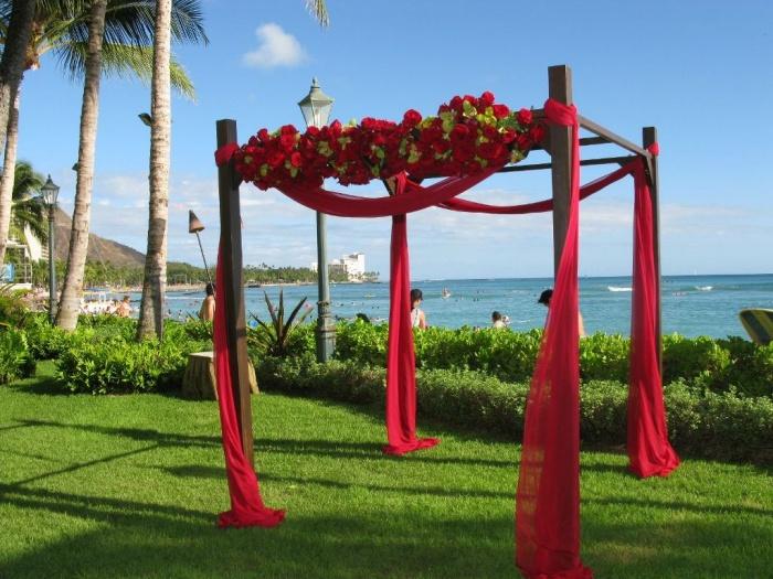 hemingways-wooden-arbor-decor Dazzling and Stunning Outdoor Wedding Decorations