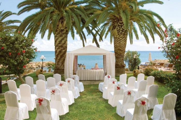 louis_apollonia_beach_hotel_limassol_cyprus_garden_wedding Dazzling and Stunning Outdoor Wedding Decorations