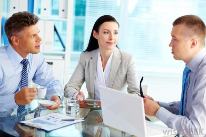 manager-and-employees How to Get Your Boss to Give You More Responsibility