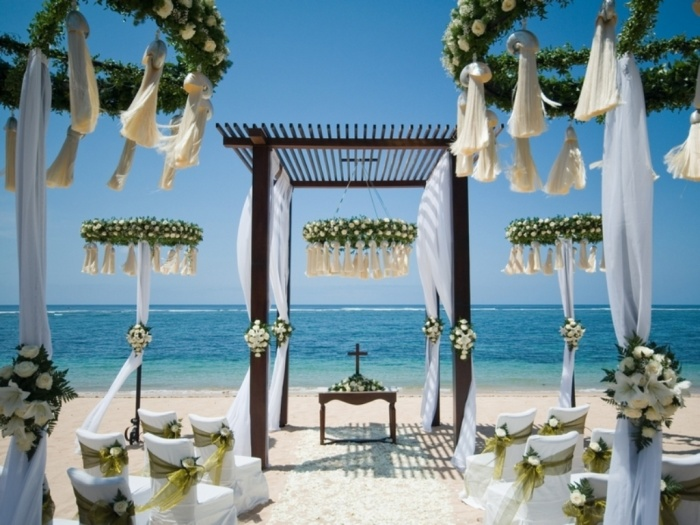 modern-ideas-for-outdoor-wedding Dazzling and Stunning Outdoor Wedding Decorations
