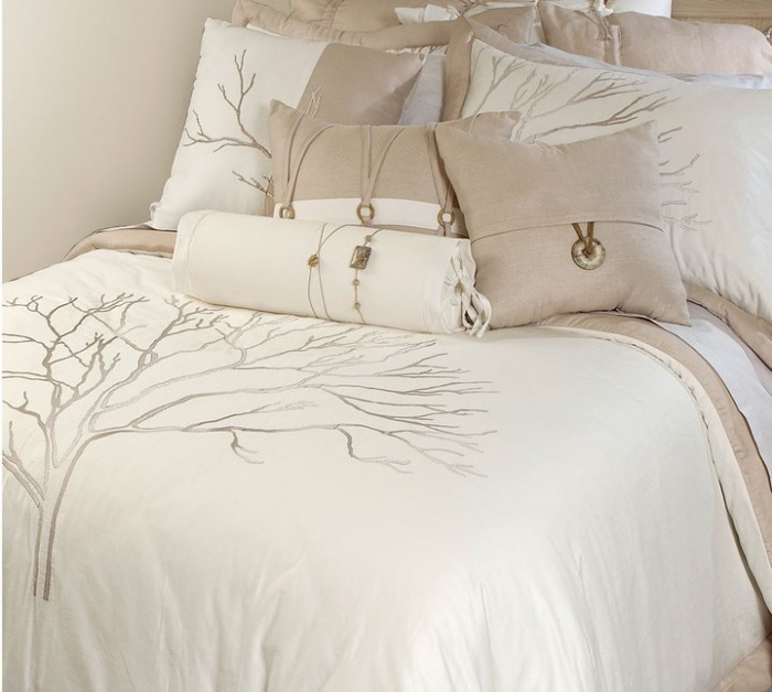 off-white-Beds-Bedsheets-designs Modern Designs Of Luxurious Bed Sheets