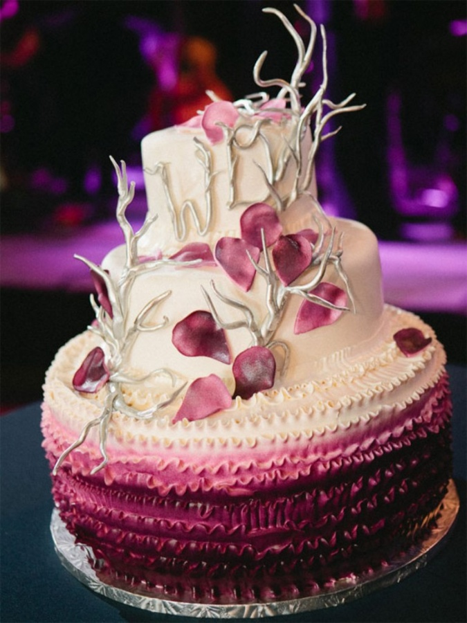 ombre-wedding-cake 50 Mouthwatering and Wonderful Wedding Cakes