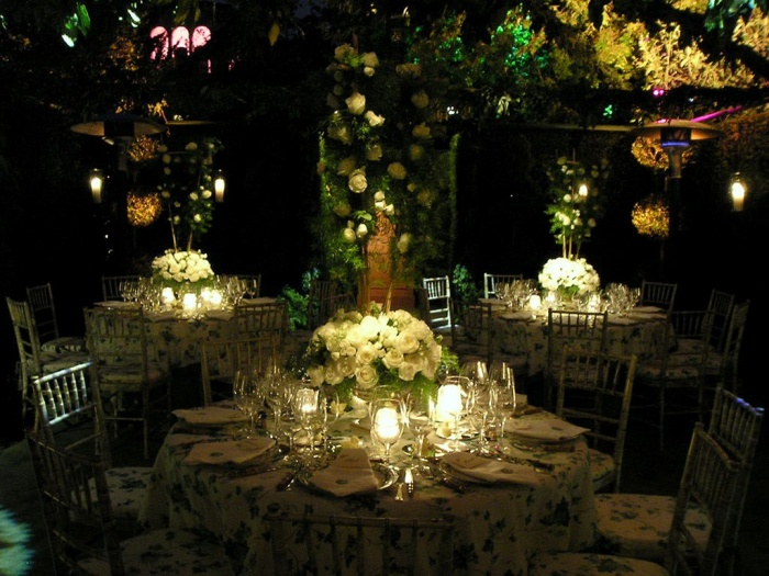 outdoor-wedding-lighting-1 Dazzling and Stunning Outdoor Wedding Decorations