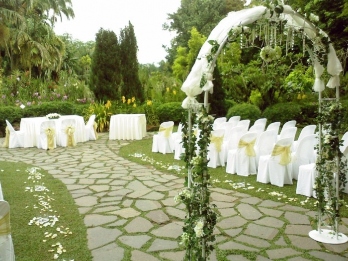outdoor-wedding-receptions Dazzling and Stunning Outdoor Wedding Decorations