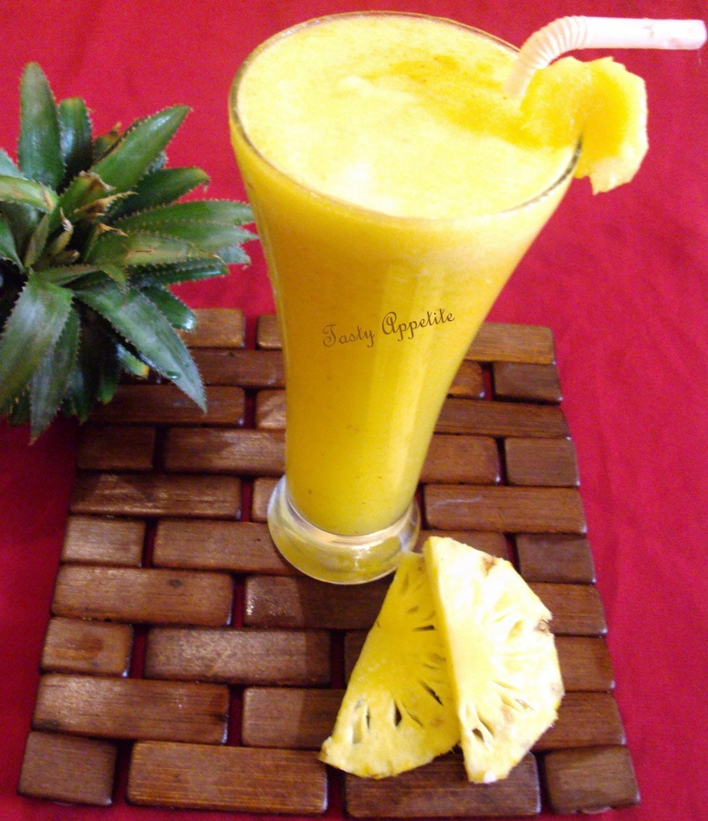 pine-main-good Smoothie Drink Is Very Healthy And Delicious With Low Calories