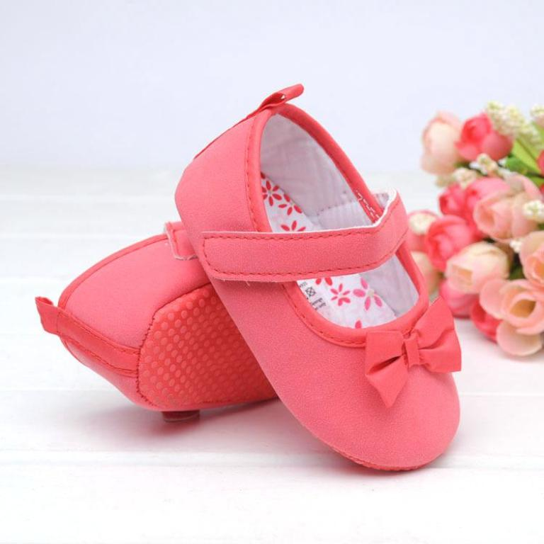 pink-shoes TOP 10 Stylish Baby Girls Shoes Fashion