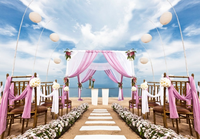 pink-wedding-theme Dazzling and Stunning Outdoor Wedding Decorations