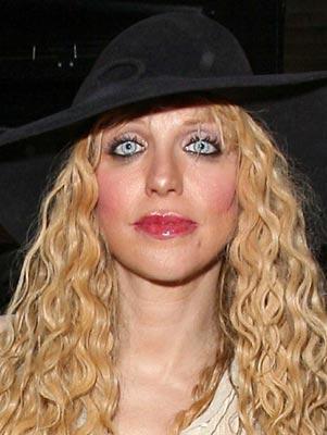 post-3-007403800-1282809322_thumb Top 12 Ugliest Celebrity Makeup