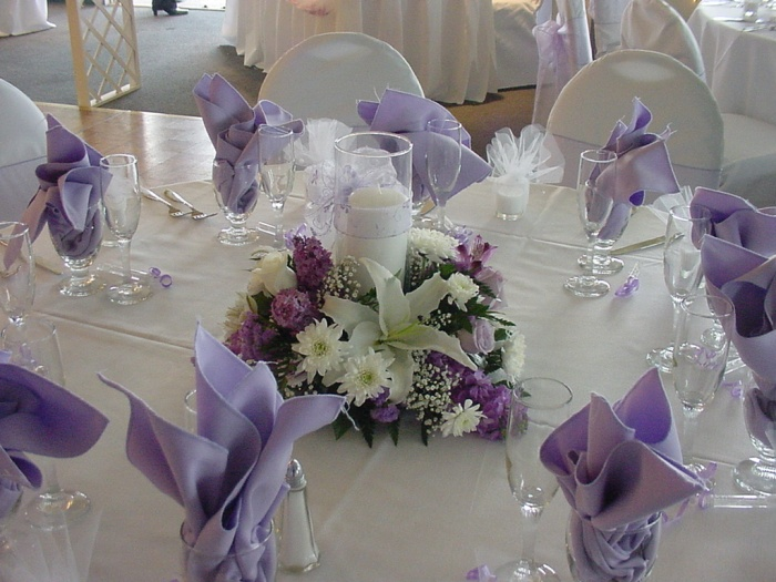 purple-wedding-centerpieces 50 Fabulous and Breathtaking Wedding Centerpieces