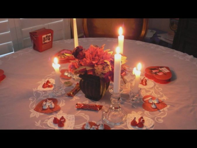 romantic-dinner-at-home Top Creative Romantic Ideas For Your Sweetheart