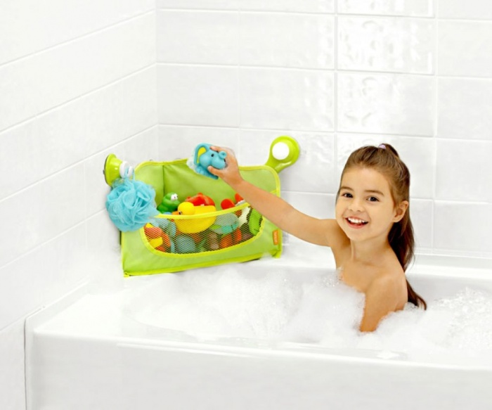 set-of-toys 10 Fabulous Kids Bathroom Accessories
