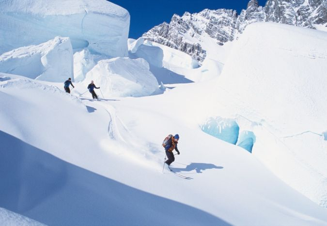 skiing What Is the Importance of Survival Courses?