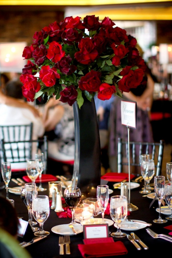 tall-red-floral-centerpieces 50 Fabulous and Breathtaking Wedding Centerpieces