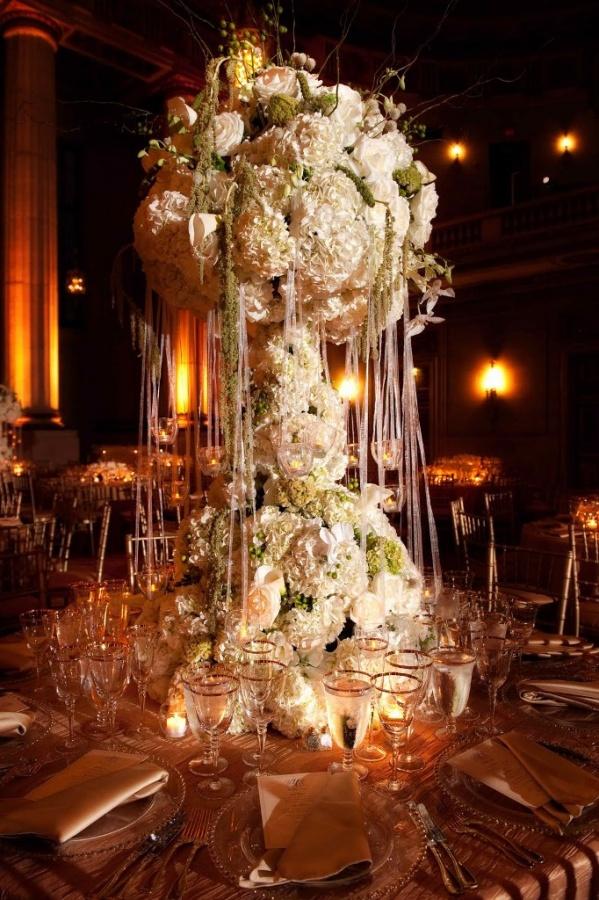tall-wedding-centerpiece 50 Fabulous and Breathtaking Wedding Centerpieces