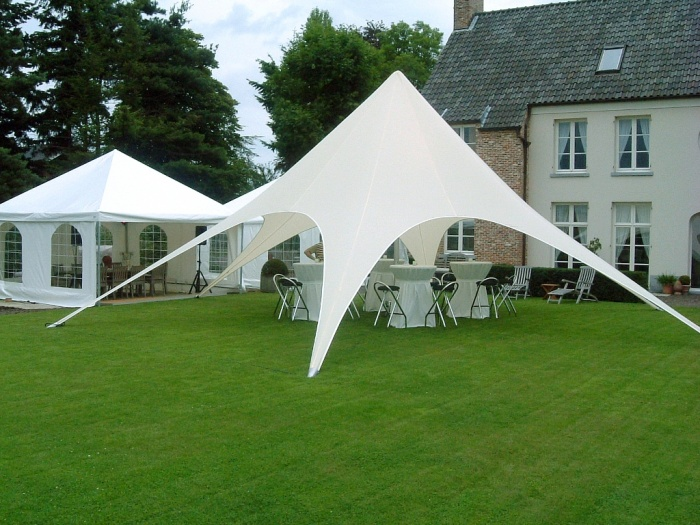 tent. Dazzling and Stunning Outdoor Wedding Decorations