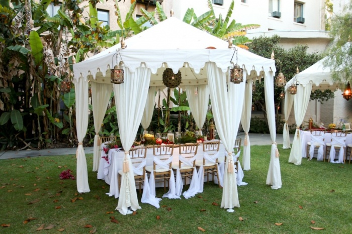 tent Dazzling and Stunning Outdoor Wedding Decorations