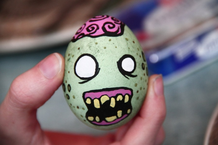 the_egg_zombie_by_snaecka-d416dux Can Easter Egg Become An Art ?!