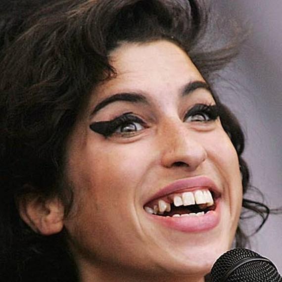 top-30-ugliest-celebrities21 Top 12 Ugliest Celebrity Makeup