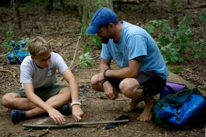 using-knife What Is the Importance of Survival Courses?
