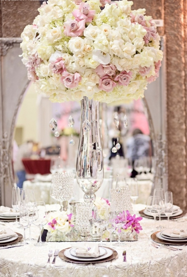 wedding-centerpiece-ideas-4 50 Fabulous and Breathtaking Wedding Centerpieces